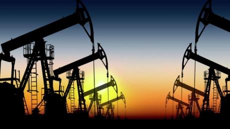 Цены на нефть снижаются: 62,79 доллара за баррель