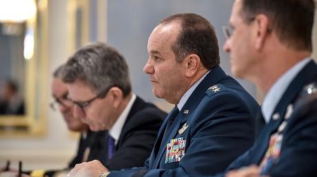 НАТО: Перемирие в Дебальцево было только на бумаге