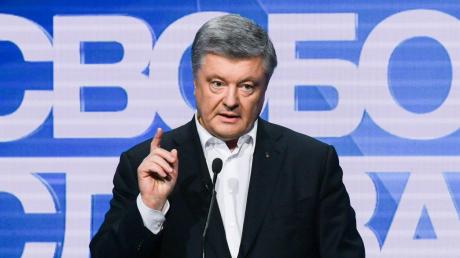 """Порошенко жестко ответил на критику в эфире """"Свобода слова Савика Шустера"""""""