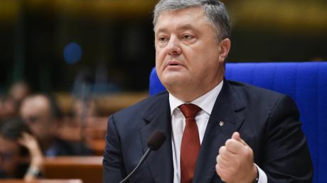 """Порошенко заявил, что у них есть человек, который сообщит о """"декабрьском путче"""""""