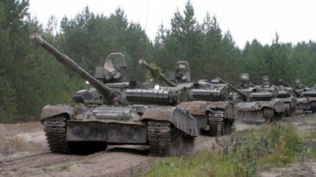 Семенченко: две колонны бронетехники боевиков приближаются к 29-му блокпосту