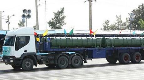 На военном параде в Иране продемонстрировали российские С-300: жители Тегерана впервые лицезрели части системы ЗРК