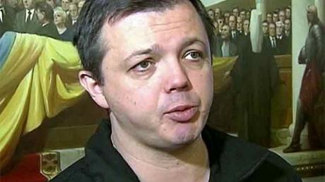Семенченко: под Логвиного идут бои