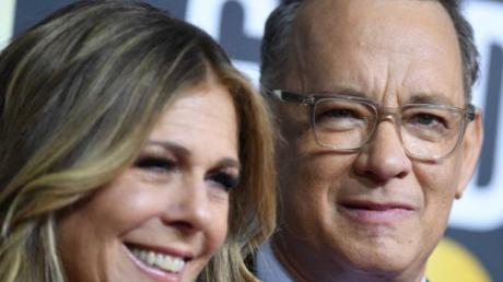 """""""Мы победили"""", - актер Том Хэнкс с женой рассказали, как они вылечились от коронавируса"""