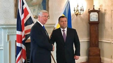 Украина имеет уникальный опыт противостояния гибридным угрозам, тогда как Великобритания поможет ВСУ своим опытом и знаниями, - глава Минобороны Британии Ланкастер
