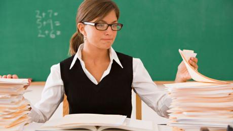 Учителей Украины ждут нововведения по зарплатам: кого коснутся изменения