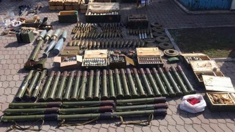 СБУ сохранила жизни сотен украинцев, раскрыв один из масштабнейших схронов боеприпасов - фото
