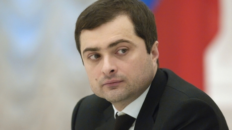 Участие в заседании контактной группы в Минске может принять помощник Путина Сурков