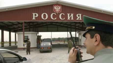 Ростовские пограничники расстреляли машину российского наемника, который пытался прорваться на Донбасс