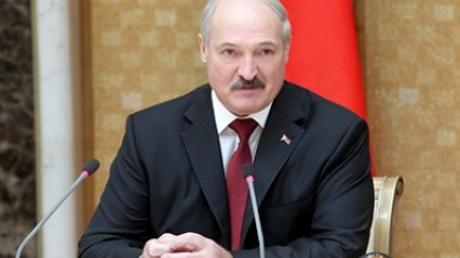 """Лукашенко пригласил Порошенко и Путина в Минск ради спокойствия в """"общем доме"""""""