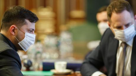 Зеленский сдал тест на коронавирус - в ОП огласили результат проверки