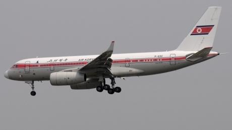 """Северокорейский самолет продемонстрировал """"мощь"""" КНДР: на полпути к Пекину Ту-204 начал разваливаться в воздухе"""