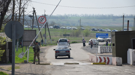 Проезд в ОРДЛО во время карантина: пограничники рассказали, что устроили боевики на КПВВ
