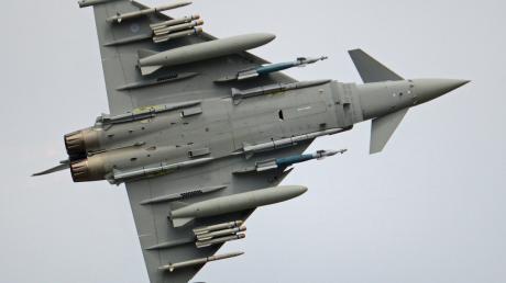 """Times: ВВС Британии начали """"прощупывать"""" линию обороны России, ищут уязвимости"""