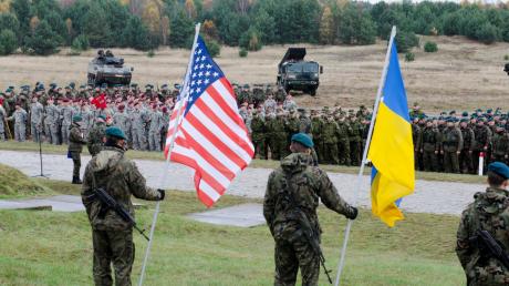 Военный эксперт Шарп: США показали России, почему в Украину им теперь лучше не лезть