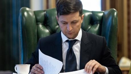 Зеленский подписал исторический закон об импичменте: что это значит