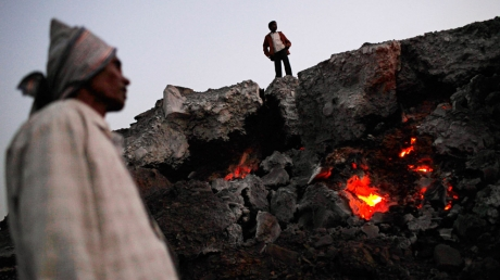 На руднике в ЮАР пропали без вести 200 горняков
