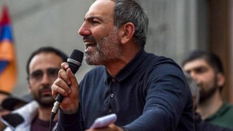 Бархатная революция в Армении: в Ереване арестован лидер протестного движения Пашинян - подробности и кадры