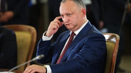 """""""Володя, все пропало, Додона снимают!"""" - в Молдове КС отстранил от должности прокремлевского президента - назревает серьезное противостояние"""
