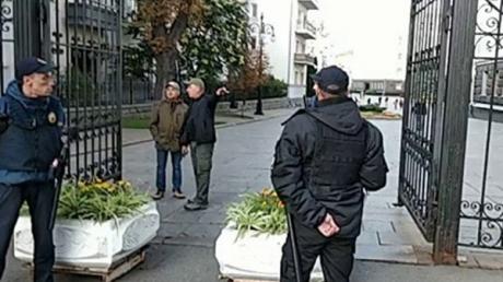 Зеленский нарушил одно из самых громких своих обещаний - кадры попали в Сеть