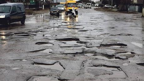 В Украине ради экономии средств дороги будут заливать бетоном