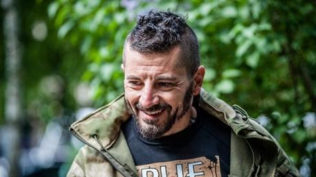 Доброволец из Италии, воюющий против путинских наемников на Донбассе, просит президента Порошенко предоставить ему украинское гражданство - кадры