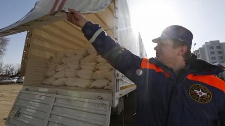 """Российская """"гуманитарная помощь"""" для Донбасса готова к отправке"""