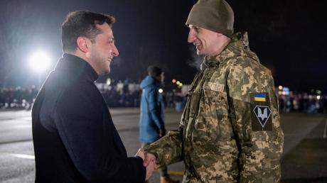 """""""Их просто кинули"""", - Бутусов об отношении Офиса президента к освобожденным из плена бойцам ВСУ"""