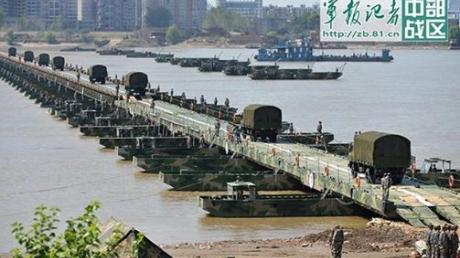 """Официально! Китай начал маштабные военные учения на границе с Россией, отрабатываются задачи по форсированию реки Амур и дальнейший переход на территорию """"вражеского государства"""""""