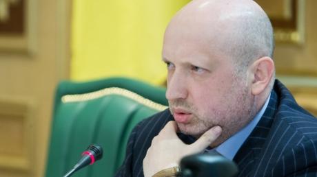 Турчинов: Россия блокирует принятие решения о перекрытии границы с Украиной