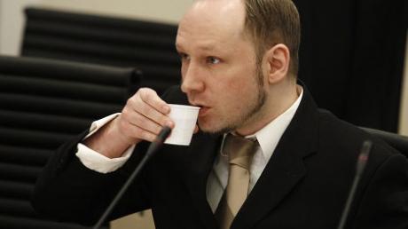 """Гуманные суды Норвегии: убийца Брейвик отсудил у правительства 331 тысячу крон за """"унижения"""""""
