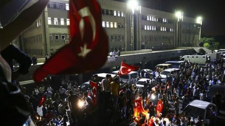 Турция, политика, общество, Армия Турции, попытка переворота, турецкие военные, массовые аресты