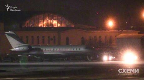 У Зеленского рассказали, как самолет Медведчука связан с отдыхом президента в Омане
