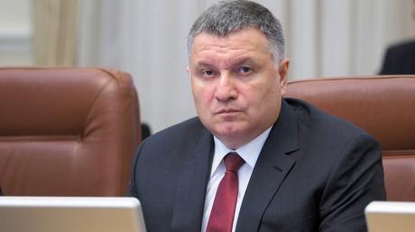 """Аваков ответил Зеленскому на слова о Крыме, напомнив о """"пределе возможностей"""""""