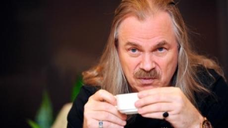 Владимир Пресняков пережил инфаркт. За жизнь звезды российской эстрады борются врачи