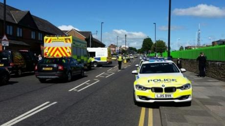 Происшествие в Великобритании: автомобиль на полном ходу врезался в толпу людей, отмечающих мусульманский праздник