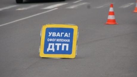 Смертельное ДТП с участием фуры Roshen под Киевом: спасатели больше часа доставали погибшего водителя грузовика