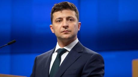 Зеленский анонсировал опрос на местных выборах 25 октября – в Сети негодуют