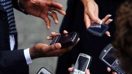 Оператор Life поднимает цены на мобильную связь из-за падения гривны