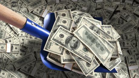 Павел Глоба рассказал, что поможет разбогатеть: сделайте один простой обряд, и деньги будут с вами всегда