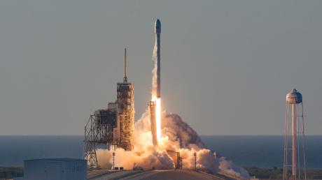SpaceX, запуск, ракета, Falcon 9, спутник, доставка