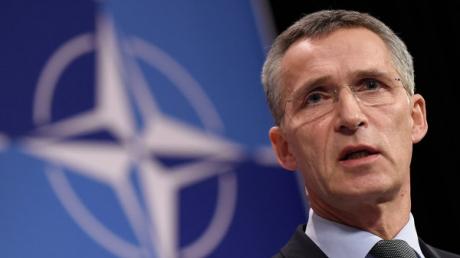 """Генсек НАТО обратился к Путину с требованием допустить наблюдателей Альянса на военные учения """"Запад-2017"""""""