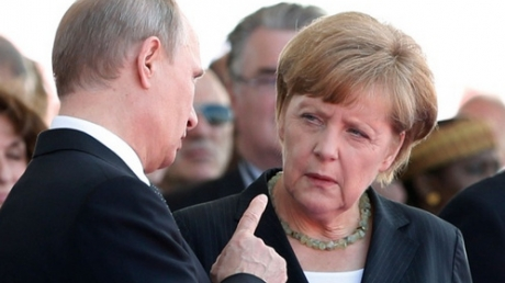 """""""Это игра Кремля, ответка Путина Меркель"""", - Альбац уверяет, что с помощью """"Малороссии"""" кремлевский агрессор Путин мстит немецкой канцлерше"""
