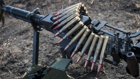 Украинские военные попали под обстрел боевиков на приморском и донецком направлениях, - в Штабе АТО сообщили о трех раненых защитниках Украины