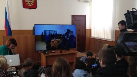 Приговор Надежде Савченко: полиция не пускает журналистов в здание суда