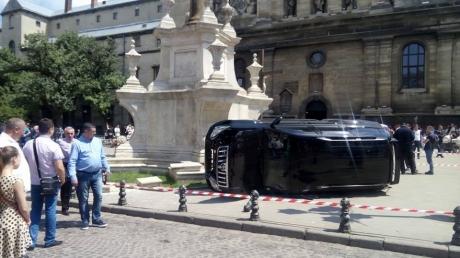 Кровавое ДТП  возле костела Святого Андрея Первозванного во Львове: первые данные о водителе, наехавшем на людей