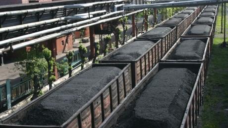 """Тука """"вычислил"""", куда Россия вывозит украденный уголь Донбасса, – следы ведут в старый портовый город"""
