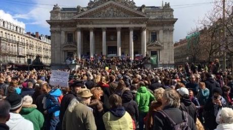 Брюссель восстал против терроризма: тысячи людей устроили марш в центре города