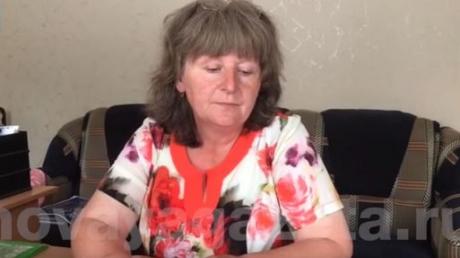 """""""Наших войск там нет, я верю"""", - мать захваченного в плен """"ихтамнета"""" Агеева продолжает верить, что Россия не участвует в конфликте на Донбассе (кадры)"""