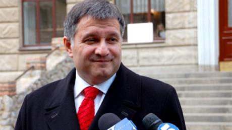 Аваков пообещал отчитаться о расстрелах на Майдане 23 февраля